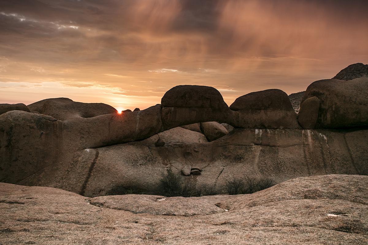 arche-spitzkoppe-namibie-coucher-soleil
