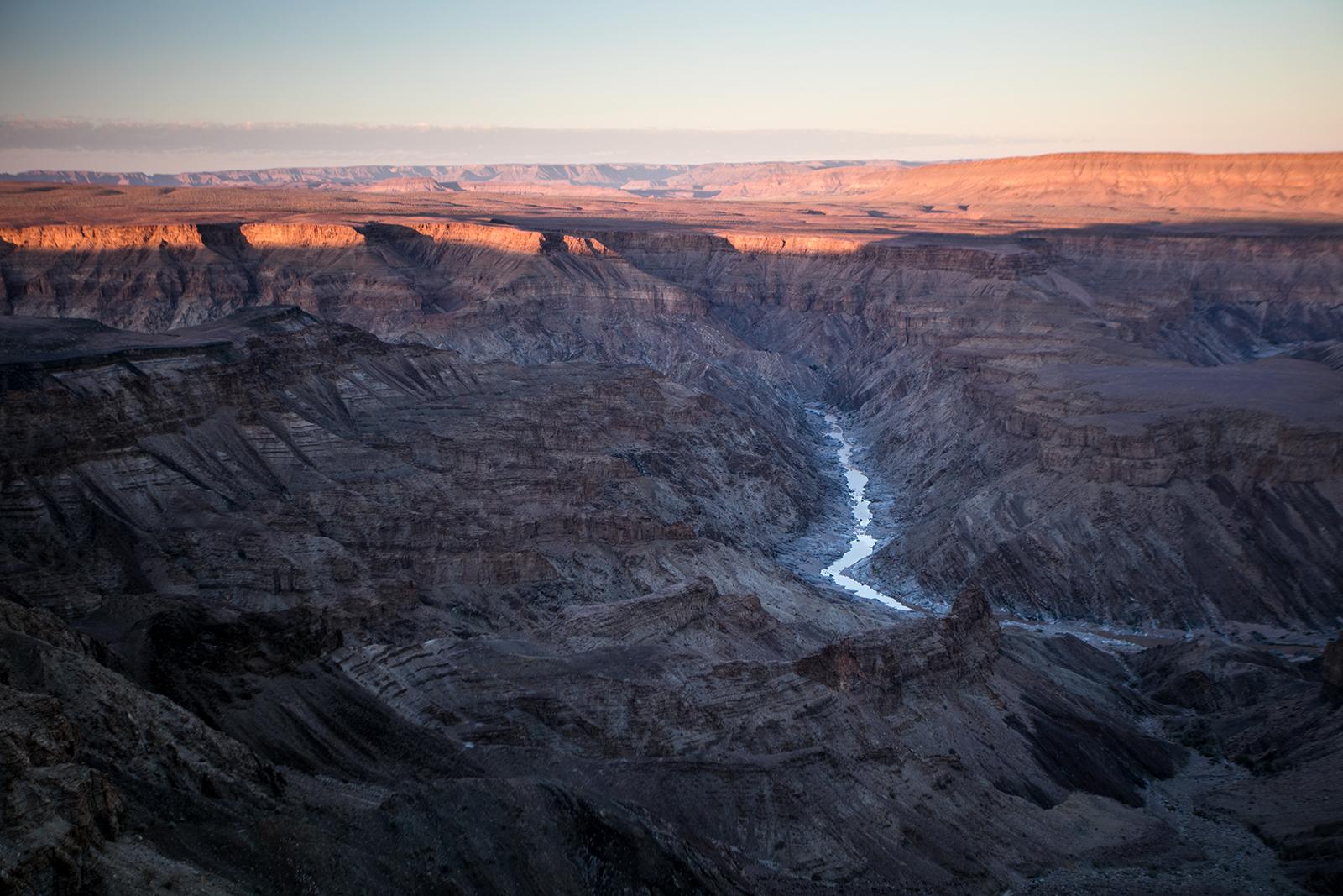 Lever du soleil sur le canyon - namibie