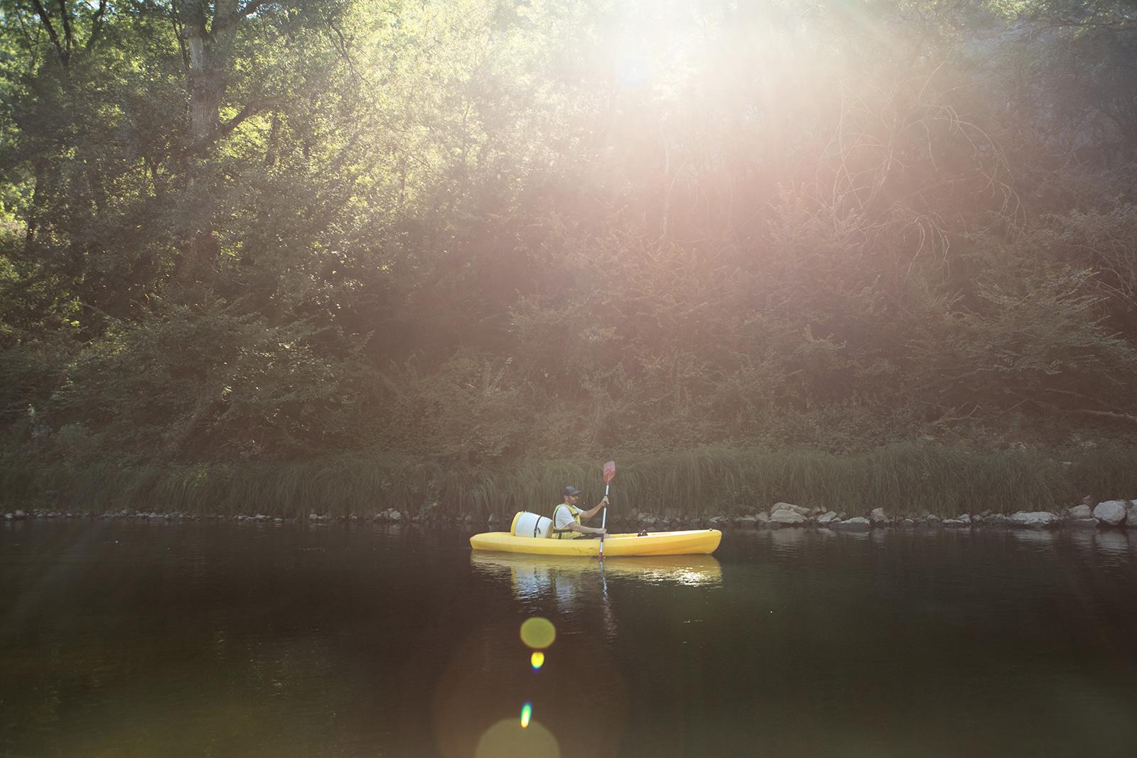 Kayak dans les gorges de l'Aveyron