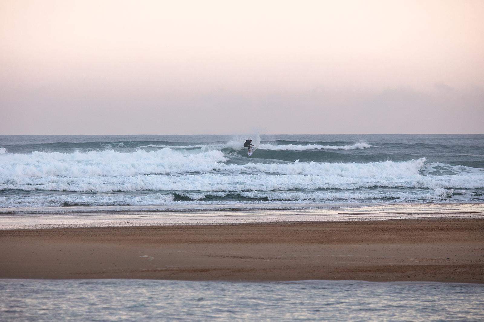 Apprendre le surf dans les Landes