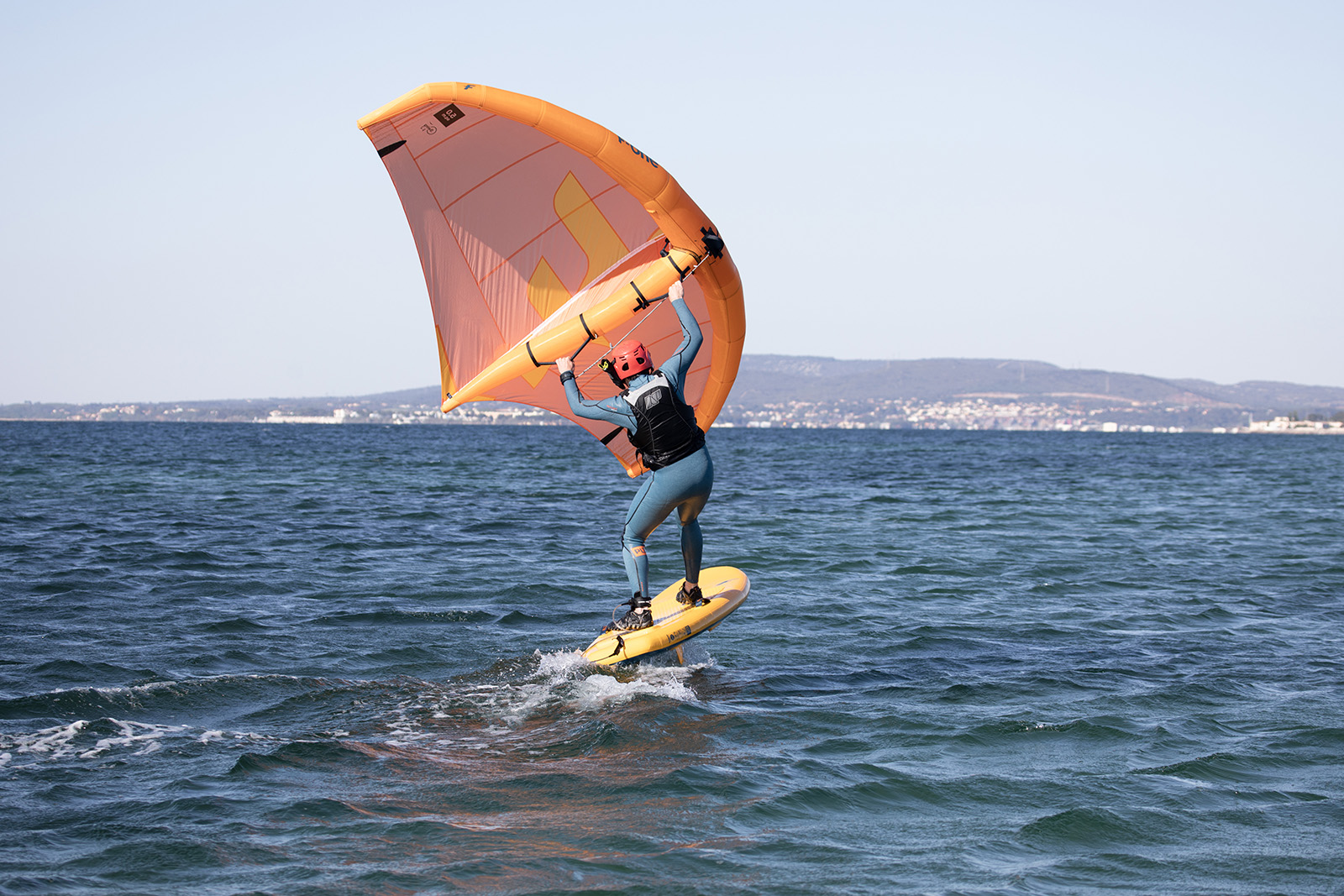 Wingfoil sur la Meditérranée
