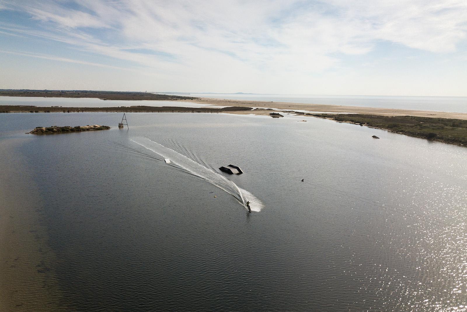 Où apprendre le wake sur la Méditérranée